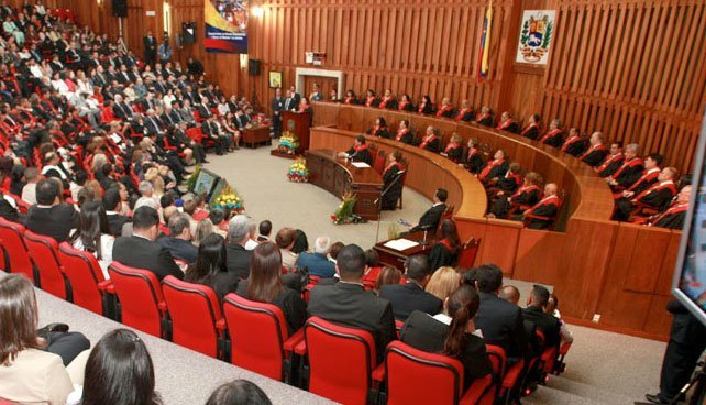 La Sala Constitucional cambia la Constitución con el recurso de interpretación