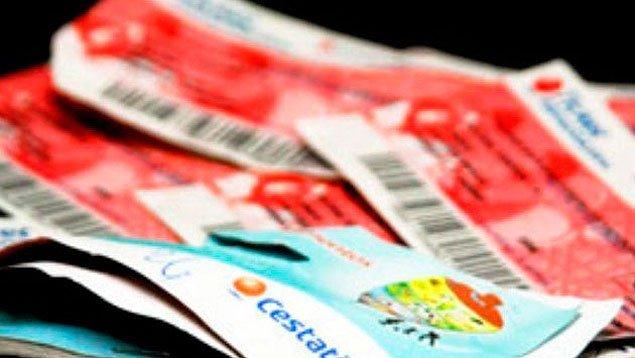 La obligación de pagar el cestaticket se rige por la ley vigente al momento en que se generó, pero se paga con u.t. vigente al momento de su efectivo cumplimiento