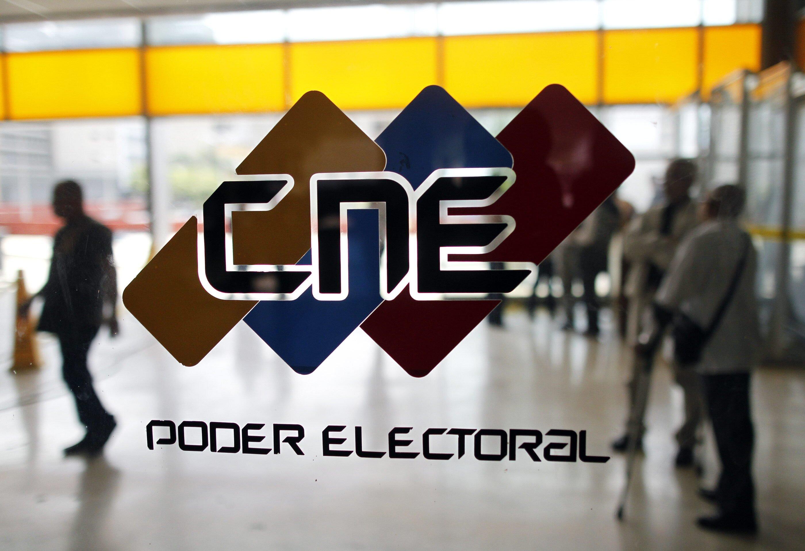 El CNE juega con la democracia al cambiar las reglas constantemente