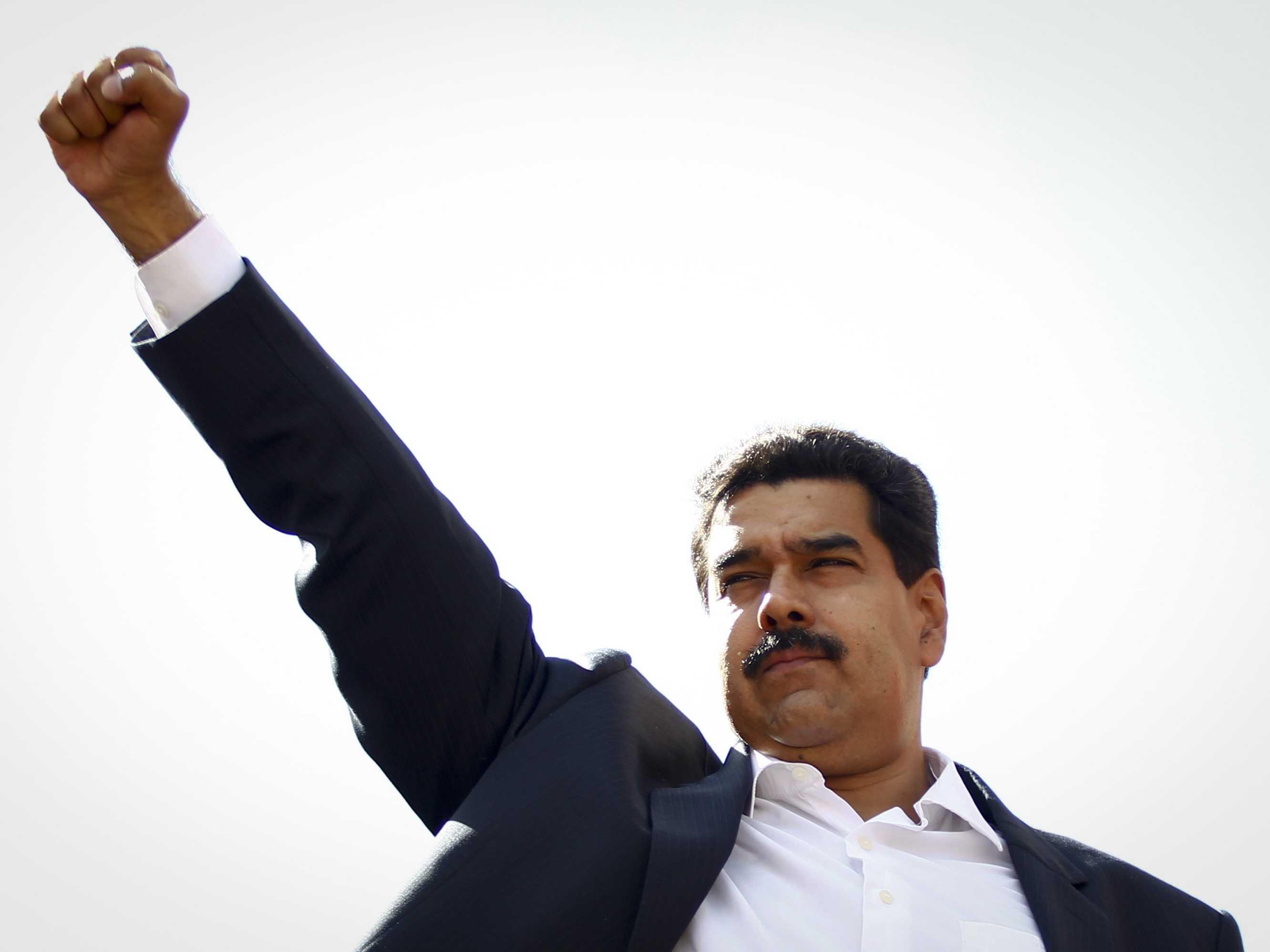 Maduro se da poderes ilimitados y el TSJ dice amén