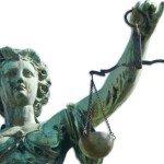 La inadmisibilidad de la demanda cuando se acumula el cobro de honorarios profesionales judiciales y extrajudiciales