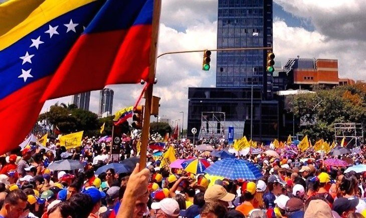 Los venezolanos no tienen derecho a manifestar pacífica y libremente
