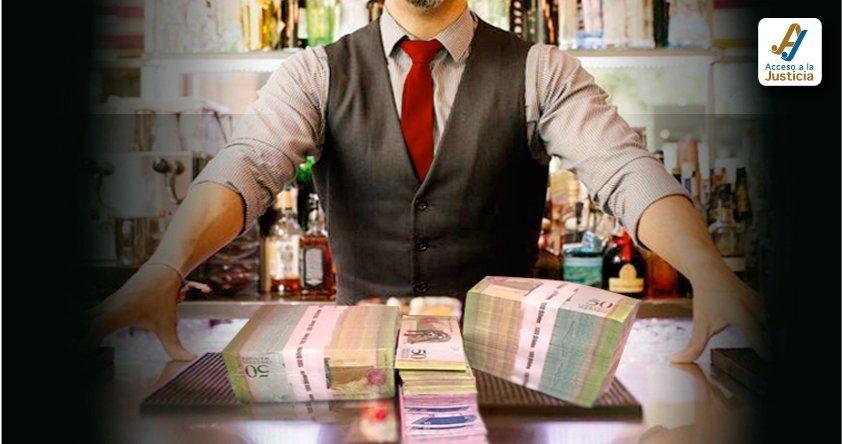 Barra libre para un festín con los salarios de altos funcionarios