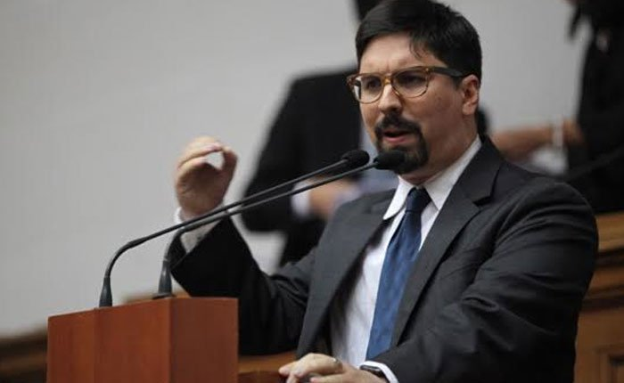 Orden de Enjuiciamiento y Prohibición de Salida del País del Diputado Freddy Guevara