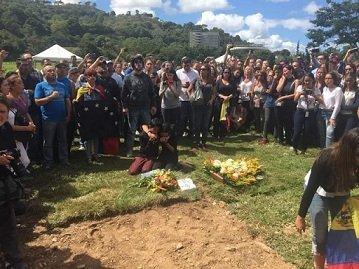 Entierro víctimas Masacre de El Junquito