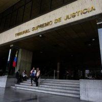 La Sala Constitucional se auto atribuye el control en casos de desacato